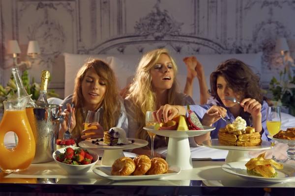 Villas_Girls_Bed_Breakfast_0506
