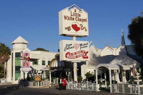 For A Mobile Wedding Just Call The Vegas Wagon Theyll Come And Meet Happy Couple With Everything Needed Perfect Shotgun