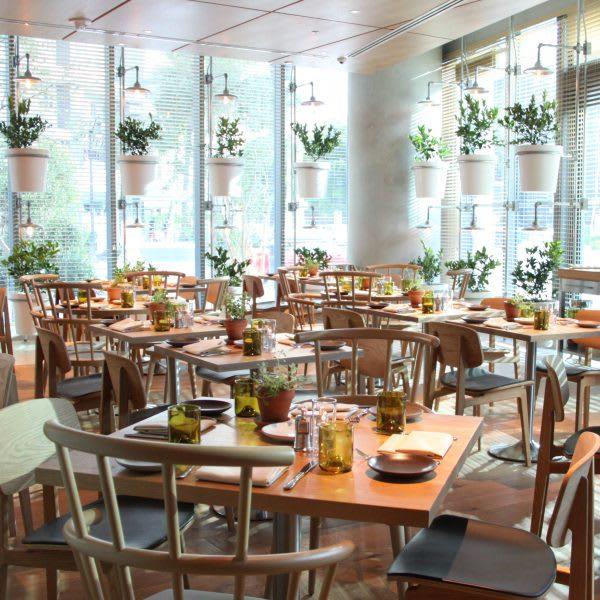 fi'lia dining room