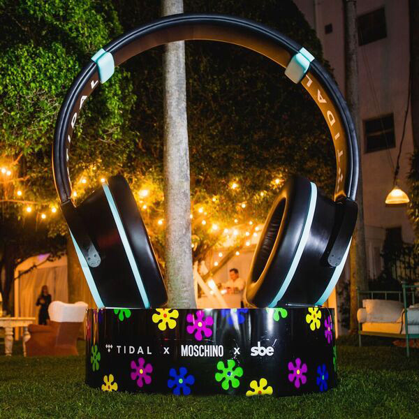 Art Basel 2016 Celebrates Jeremy Scott & Moschino at The Delano